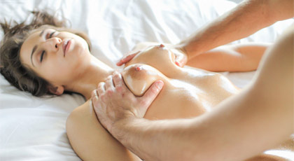 Baño, masaje y polvo