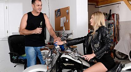 Si montas mi moto me montas a mi
