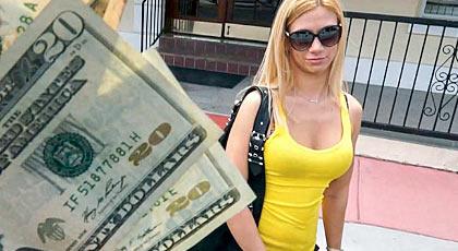 Seducida por el dinero